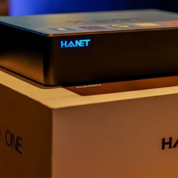 Đầu karaoke Hanet Play X One 1TB công nghệ tìm kiếm bài hát bằng giọng nói