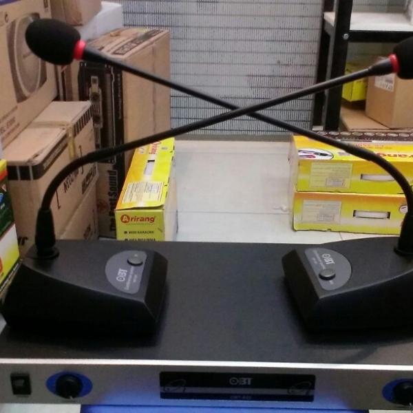 Micro cổ ngỗng không dây OBT 820 cho hệ thống âm thanh hội thảo chuyên nghiệp